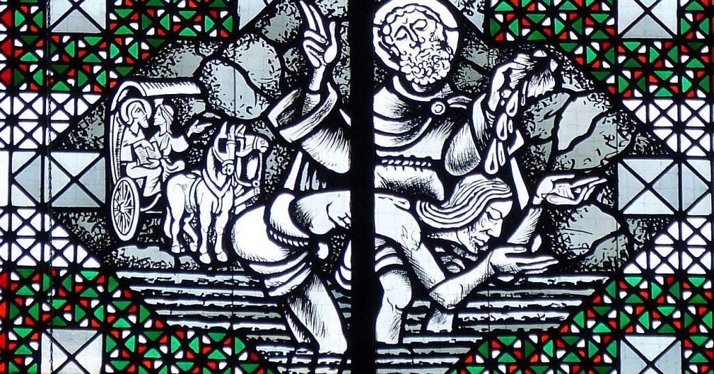 Kirchenfenster: Philippus und der afrikanische Minister auf einem Wagen und bei seiner Taufe
