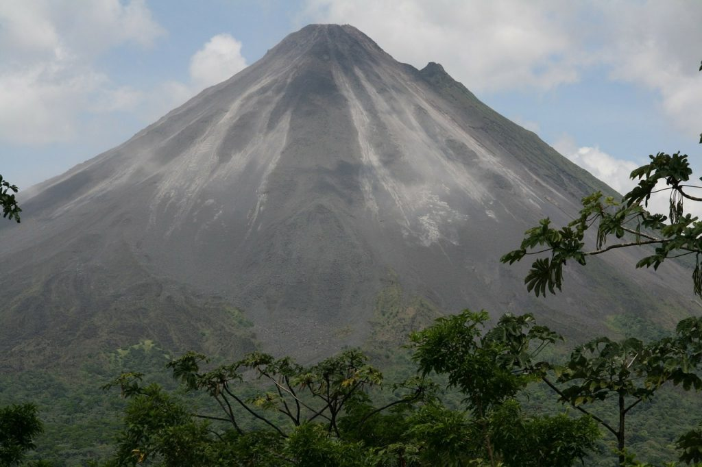 Ein Vulkan in Costa Rica