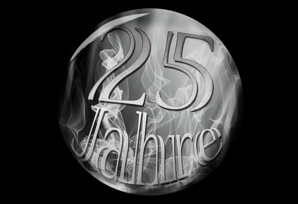 Schön gestaltete Medaille mit dem Schriftzug: 25 Jahre