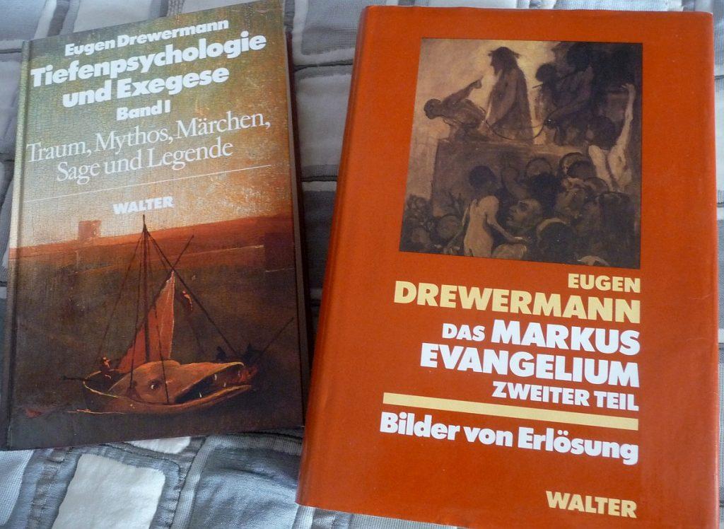 Zwei Buchcover von Eugen Drewermann: Tiefenpsychologie und Exegese Band I und Das Markusevangelium, Zweiter Teil