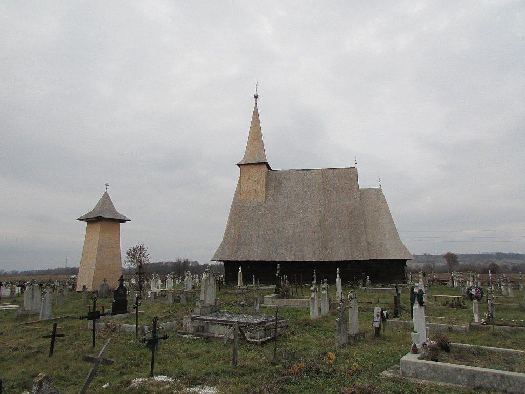 Holzkirche mit Kirchhof in Siebenbürgen