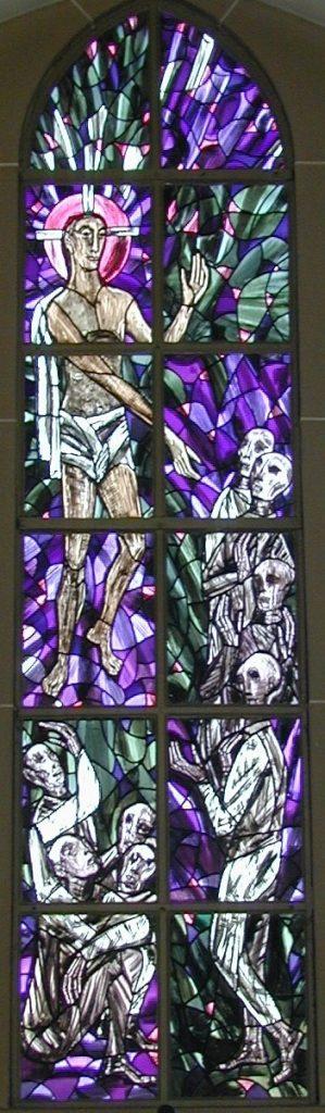 Friedhofsfenster Mitte: Jesu Abstieg zu den Toten