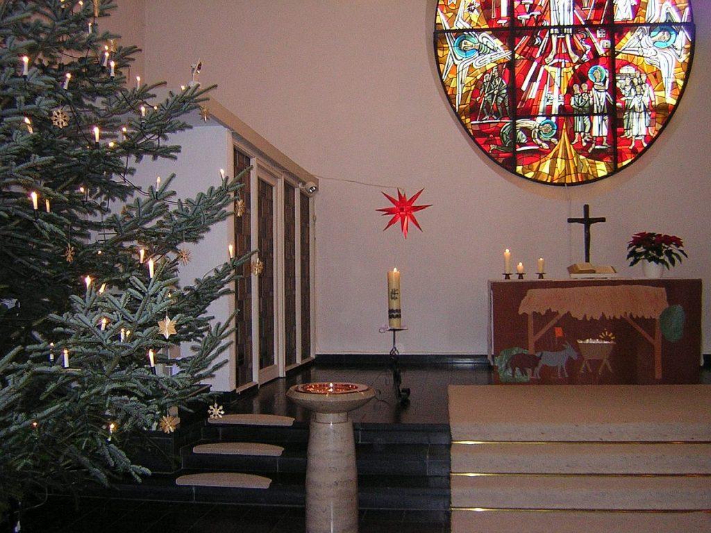 Weihnachtsbaum in der evangelischen Pauluskirche Gießen