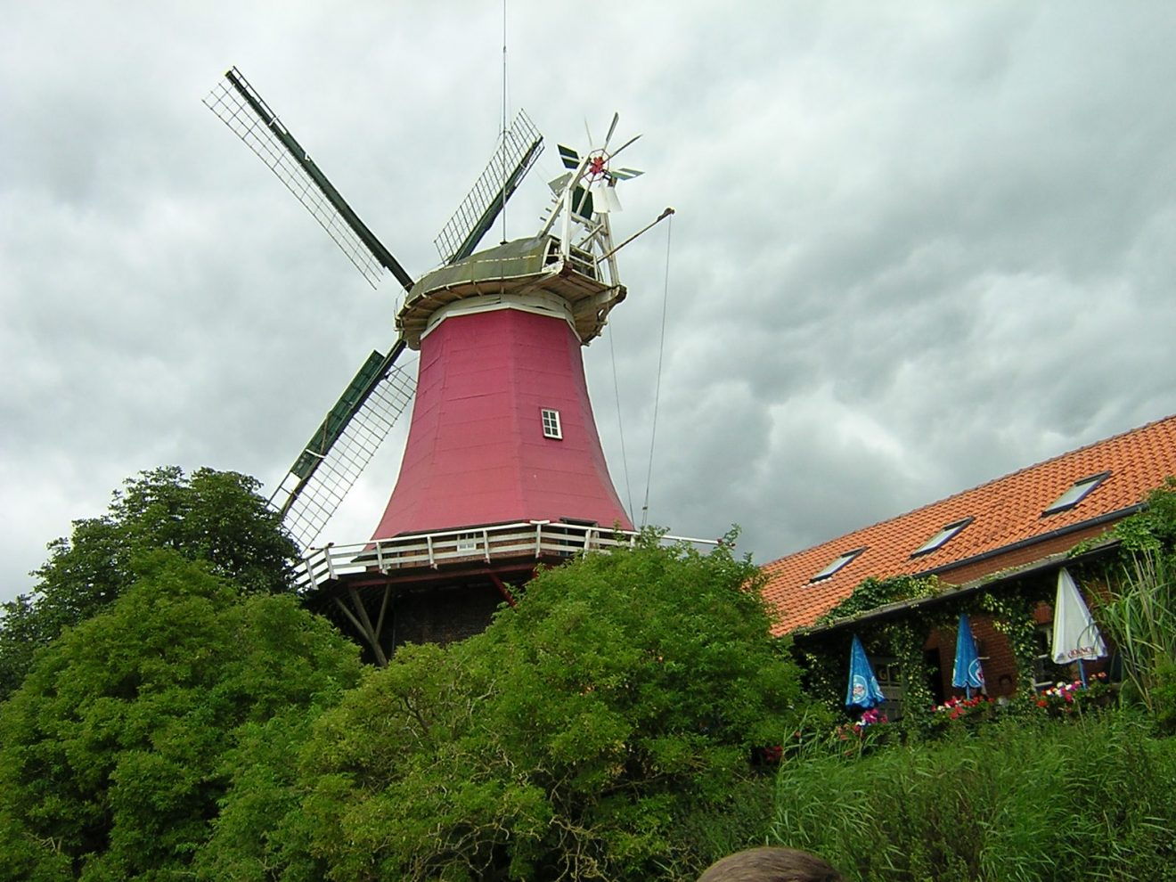Die Schoofsche Mühle vom Tief aus gesehen