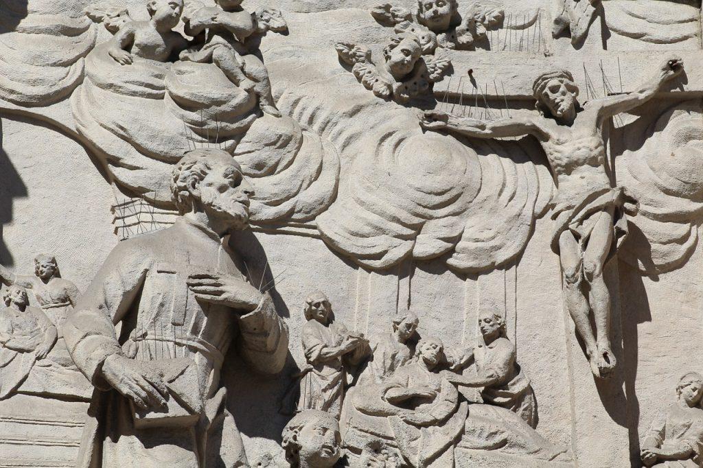 Passion Christi mit Menschen unter dem Kreuz