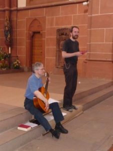 Andacht im Dom mit Pfarrer Helmut Schütz und Kaplan Timo Haas