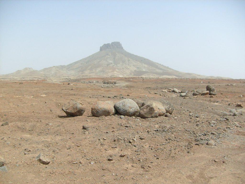 Steine in einer Wüste