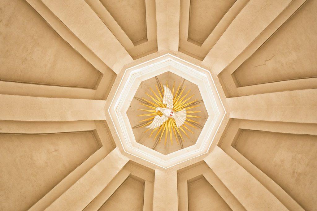 Symbol der Taube in einer Kuppel