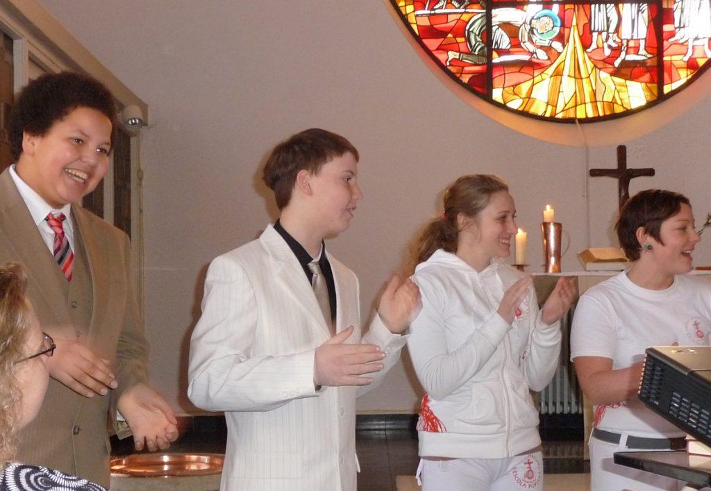 Einige derer, die in diesem Gottesdienst getauft werden