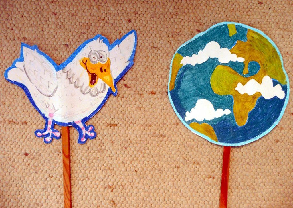 Stabpuppen Vogel und Erde