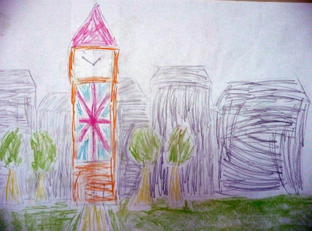 Kirchturm mit britischer Flagge unter einer quadratischen Uhr - Big Ben?