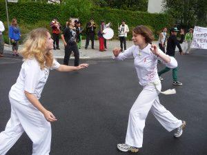 Außerdem wird spontan Capoeira gespielt