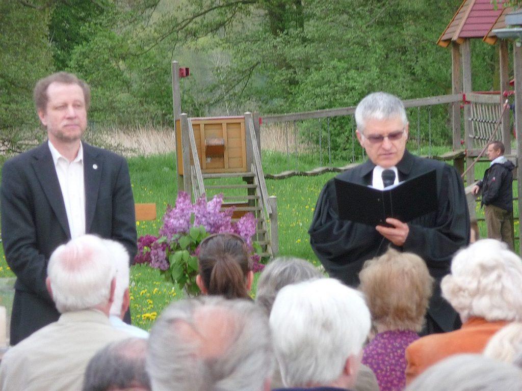 Dr. Ulrich Müller und Pfarrer Helmut Schütz