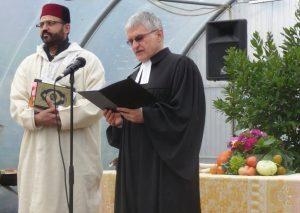 Interreligiöses Gebet beim Erntedankfest, gesprochen von Abderrahim En-Nosse und Pfarrer Helmut Schütz