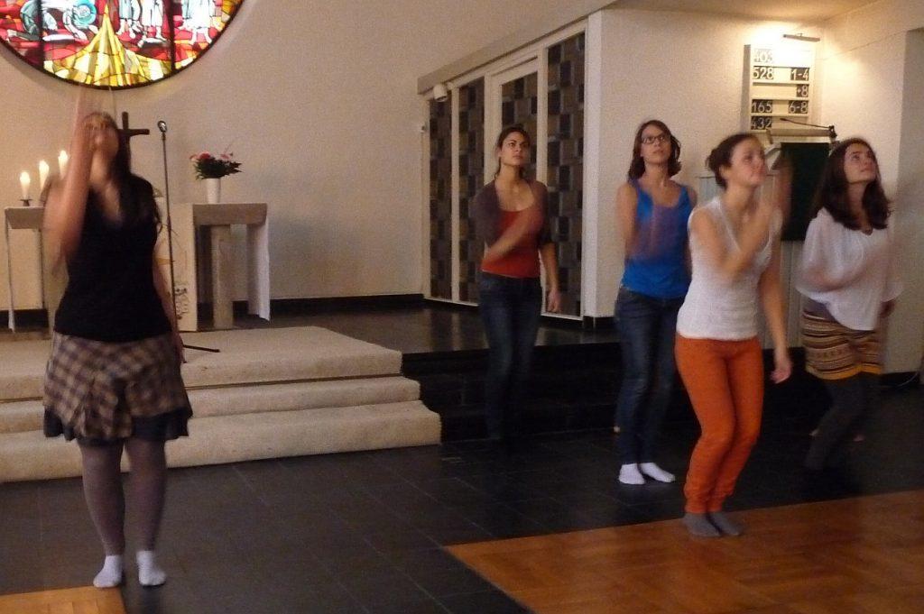 Tanztheater dritte Szene: Ich finde schön