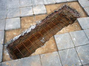 Für die neue Stahltreppe mussten auch neue Fundamente gegossen werden
