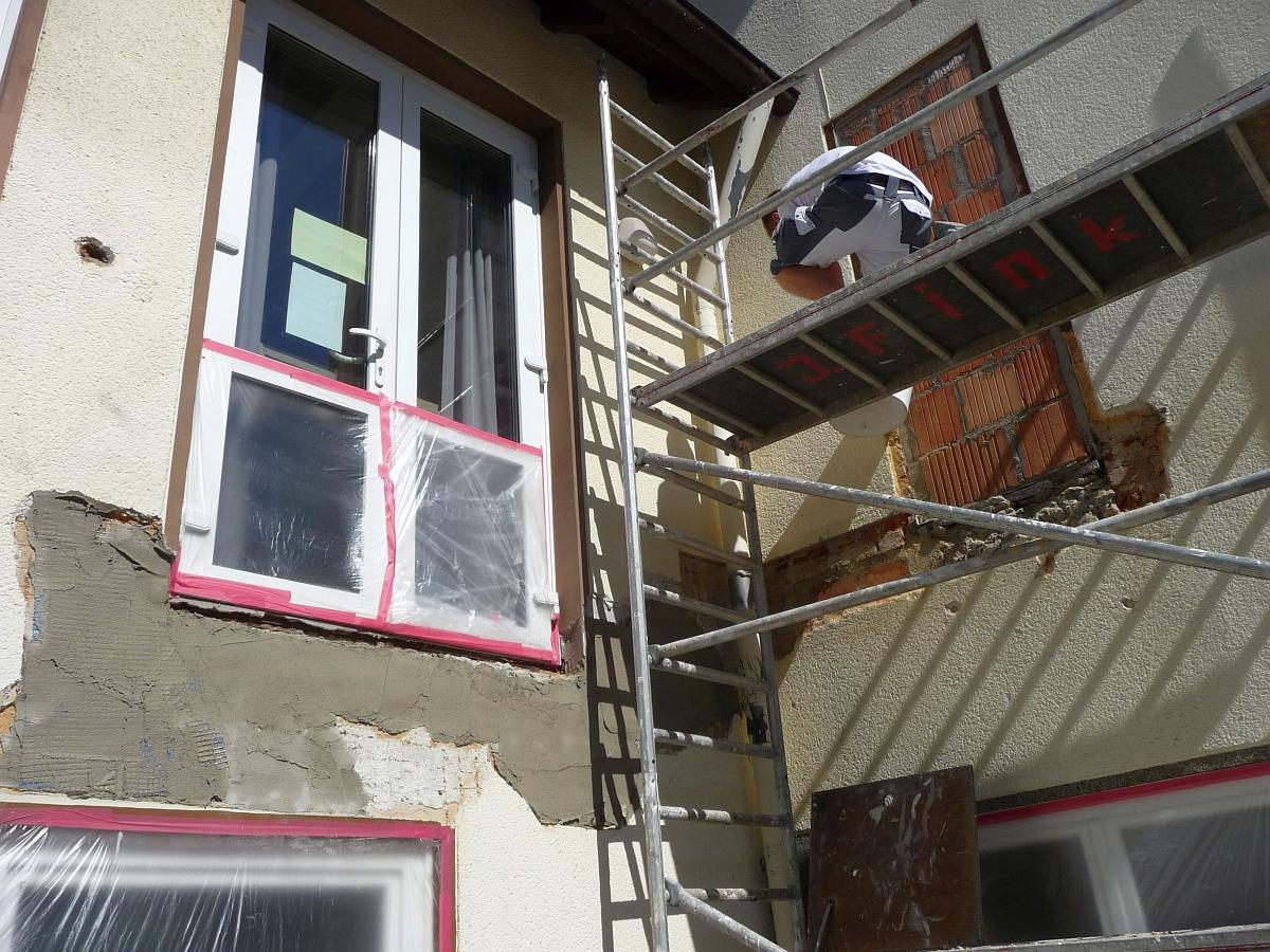 Die vom Aufriss betroffenen Wände erhielten einen neuen Verputz