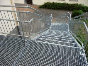 Und so sah die fertige Stahltreppe von oben aus