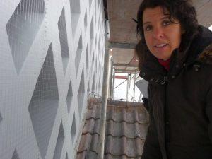 Am 31. Oktober war die Bauabnahme mit den Architektinnen, von denen man hier auf dem Bild nur Frau Muskau sieht, Frau Rothmann steht dahinter