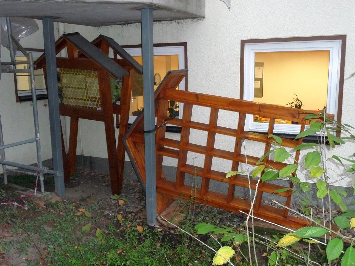 Dieses Insektenhotel soll aber schon bald neben der Kirche aufgestellt werden