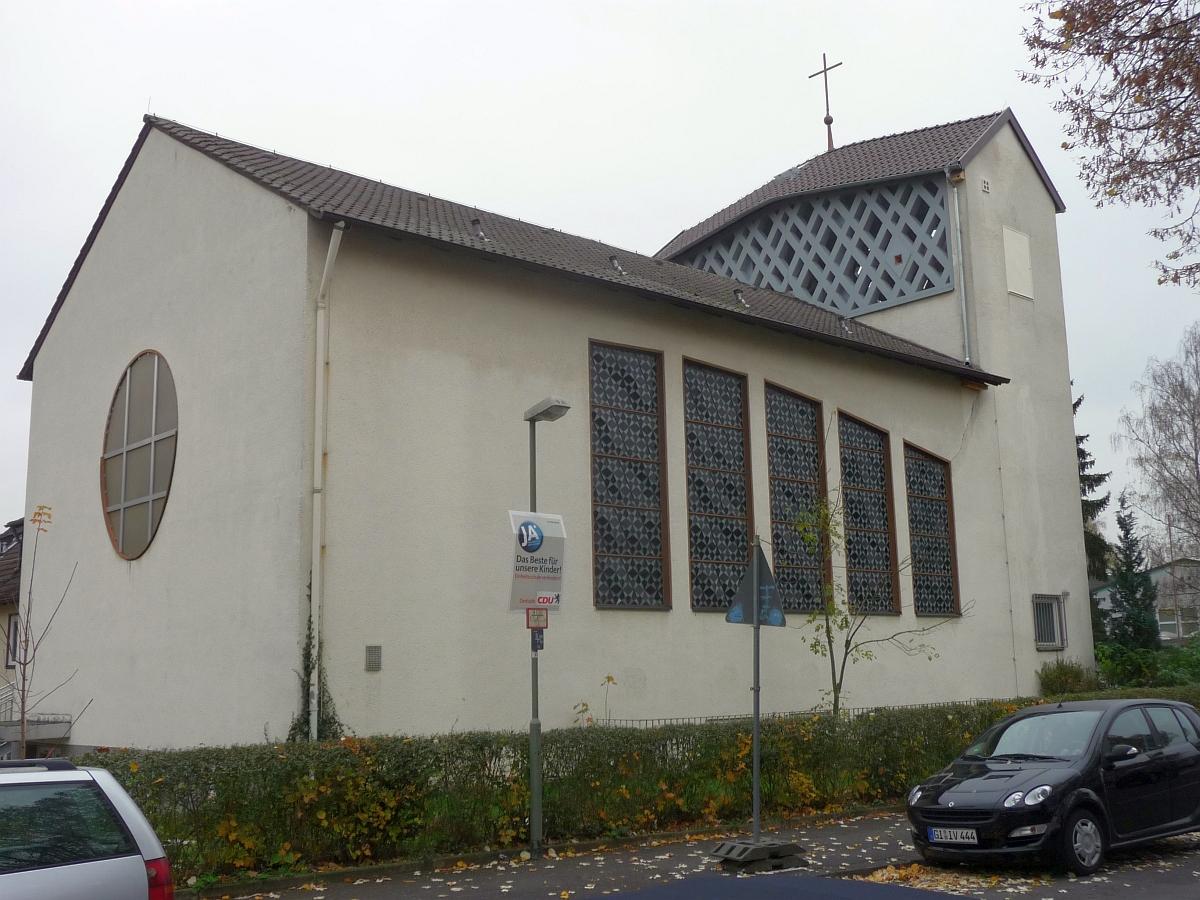 Und heute feiern wir im festlichen Gottesdienst den fertig sanierten Kirchturm!