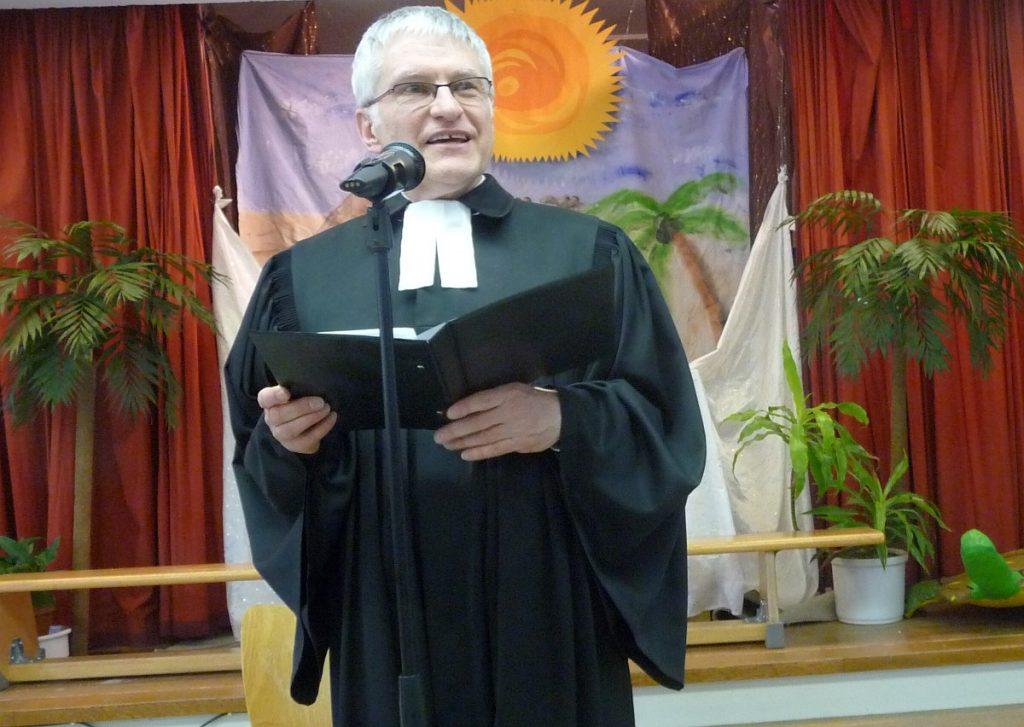 Pfarrer Helmut Schütz spricht von den Träumen Josefs, die in der Bibel und im Koran eine Rolle spielen