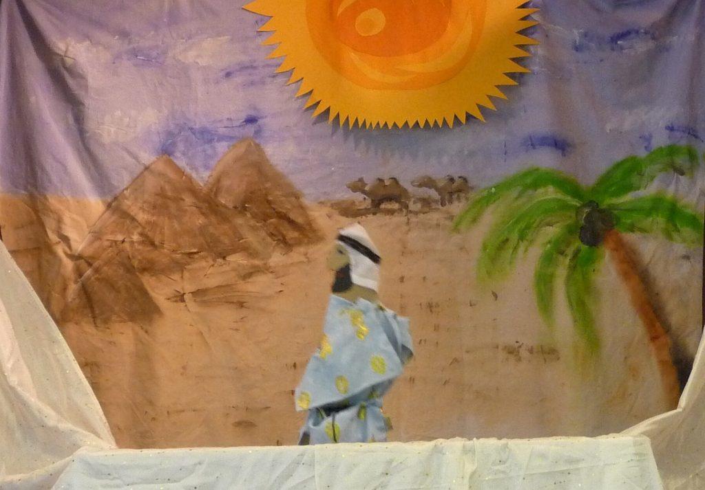 Der Pharao in seinem kostbaren Gewand