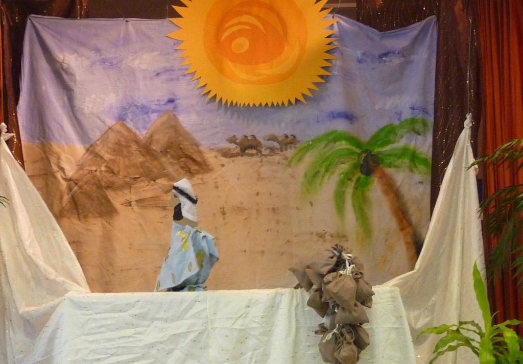 Der Pharao und viele Säcke mit Getreide