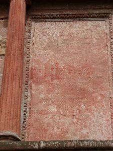 Linke Inschrift des Elisabethbrunnens