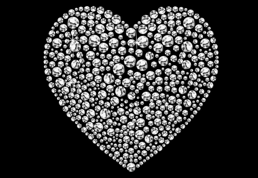 Ein aus Diamanten geformtes Herz