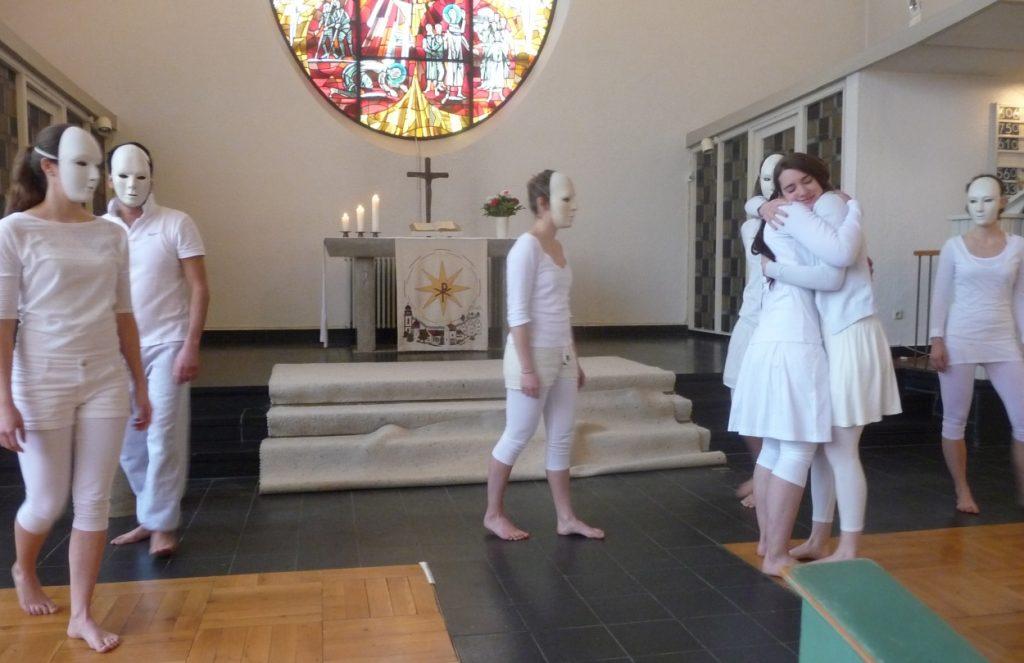 "Tanztheater, erste Szene: ""Alptraum"""