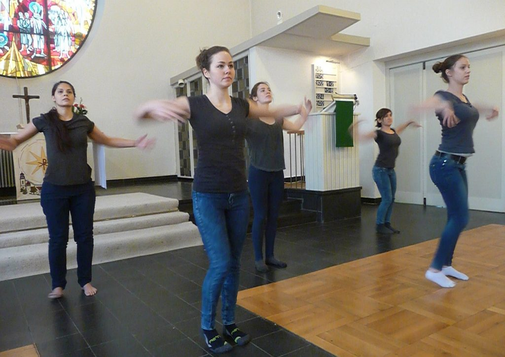 Tanztheater erste Szene