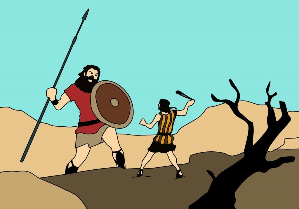 David kämpft mit einer Steinschleuder gegen den Riesen Goliath