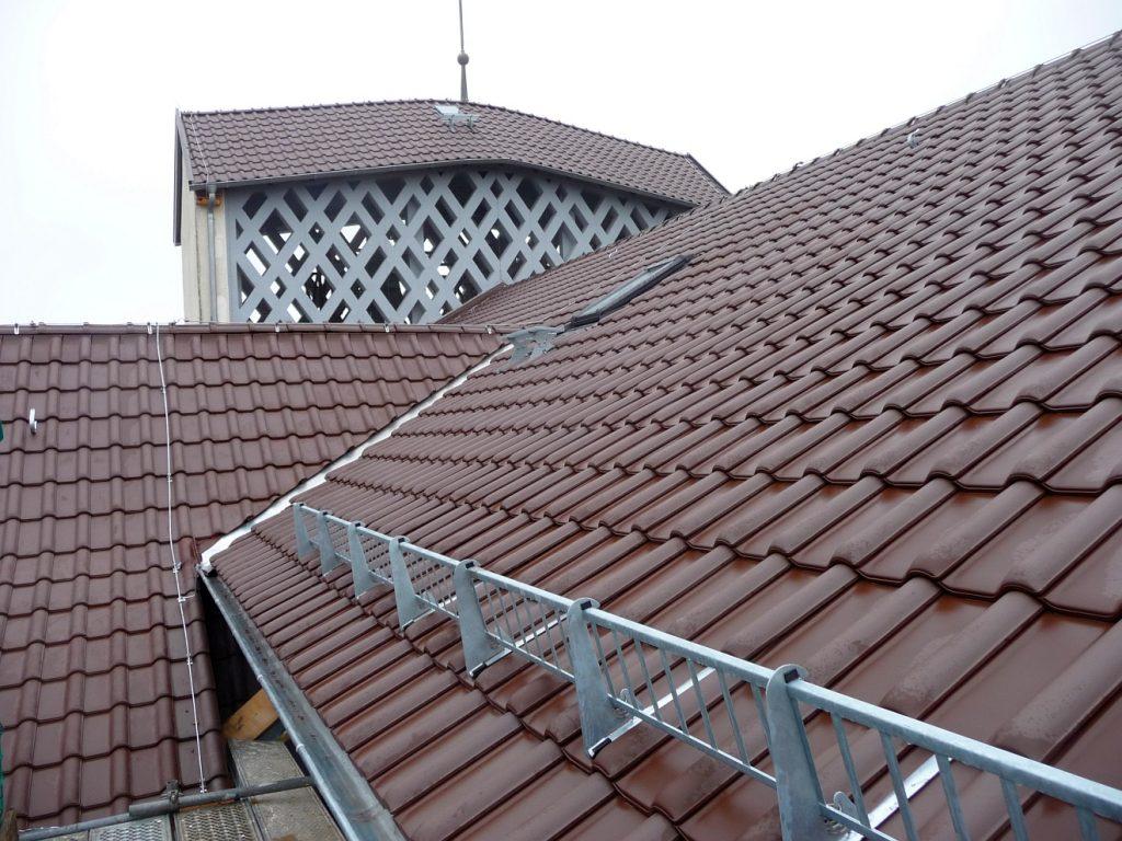 Jetzt sind alle Dächer des Gemeindezentrums wieder fit für die nächsten Jahrzehnte