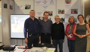 Jürgen Pfeffer, Peter Kubik, Helmut Schütz, Karin Jung und Grit Laux am Stand auf der Ideenmesse (Foto: Michael Wiedmaier)