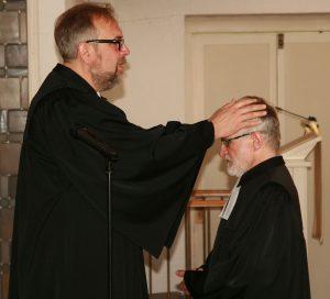 Propst Matthias Schmidt sprach ein persönliches Segenswort...
