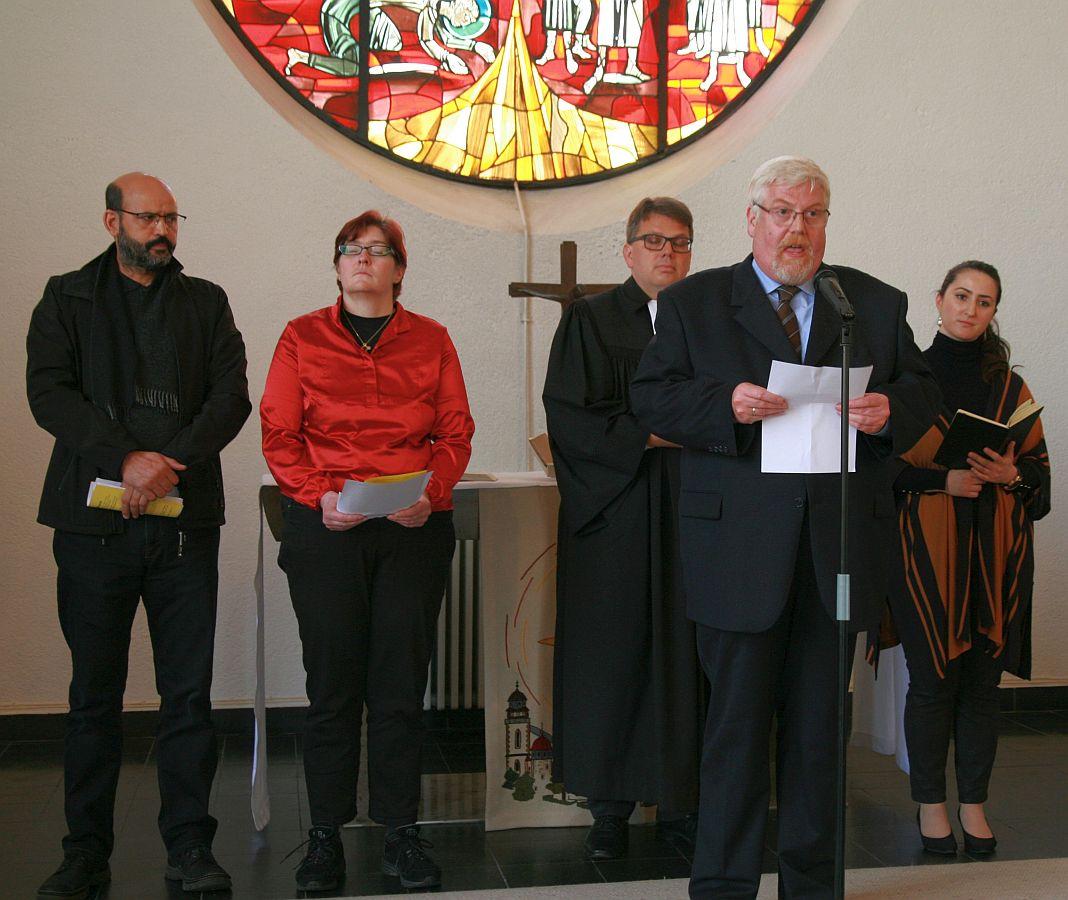 ... sowie Andreas Pithan von der katholischen Pfarrei St. Albertus...