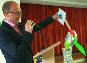 Pfarrer Tim Fink von der Thomasgemeinde...