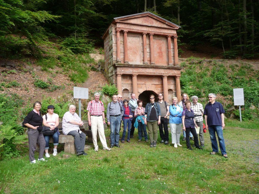 Start der Ökumenischen Wallfahrt im Jahr 2014 am Elisabethbrunnen