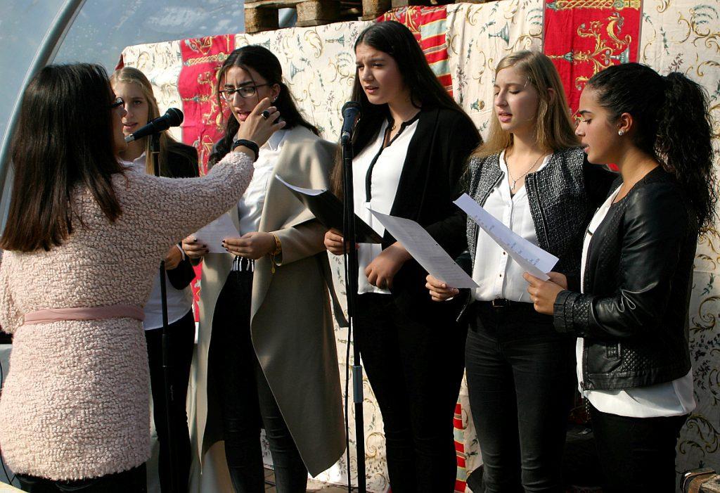 Lied vom Mädchenchor der Türkisch-Islamischen Gemeinde Gießen