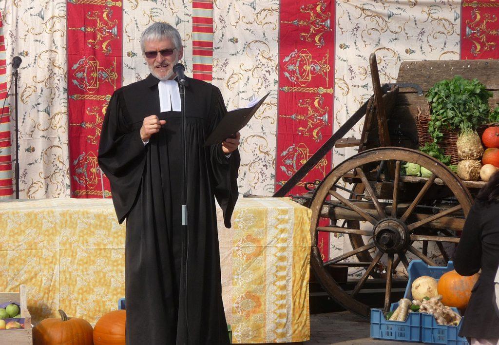 Pfarrer Helmut Schütz fragt: Warum ist das so schwer mit dem Dank?