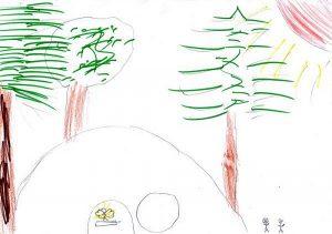 Winzig klein dargestellte Frauen gehen zur ebenfalls winzig klein dargestellten geöffneten Grabhöhle, in der ein Engel gelb leuchtet. Im Hintergrund riesige grünbelaubte Bäume und eine rote Sonne.