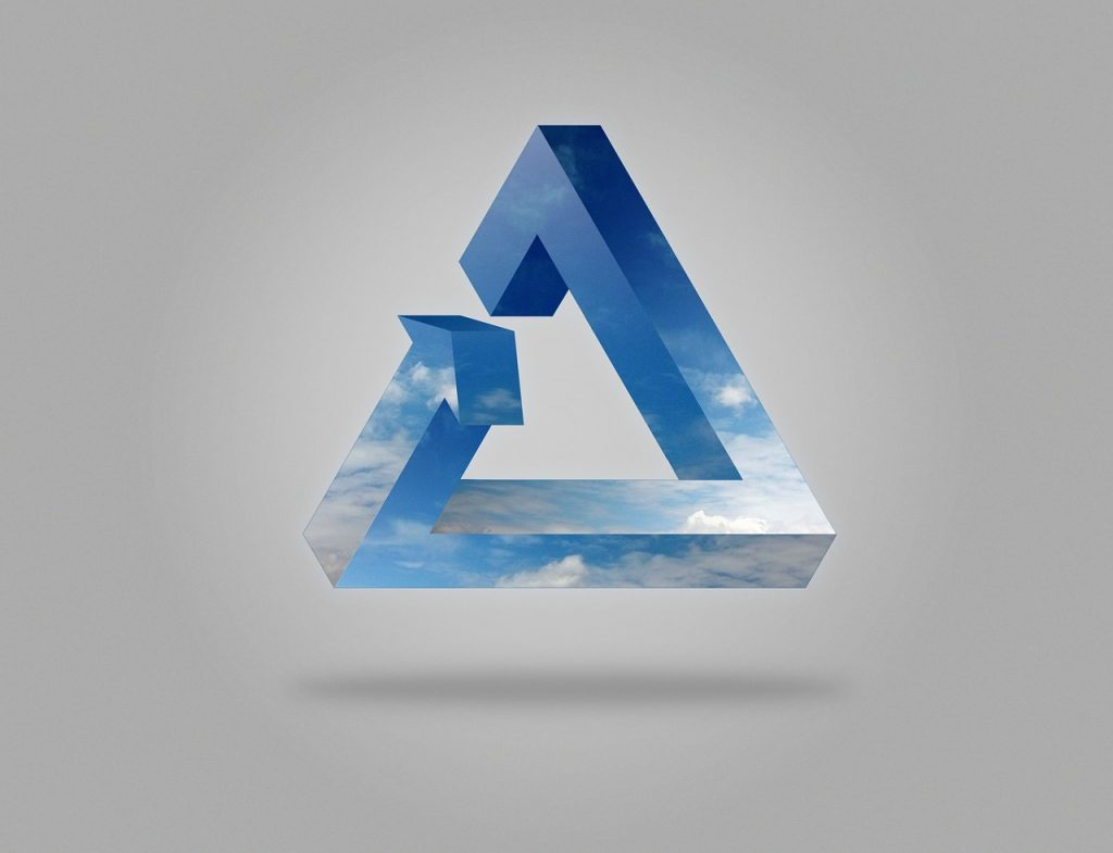Ein Balken, der mit blauem Himmel und Wolken tapeziert ist, bildet ein Dreieck mit einer Pfeilspitze, das auf Möbius'sche Art unmöglich zusammengesetzt ist.