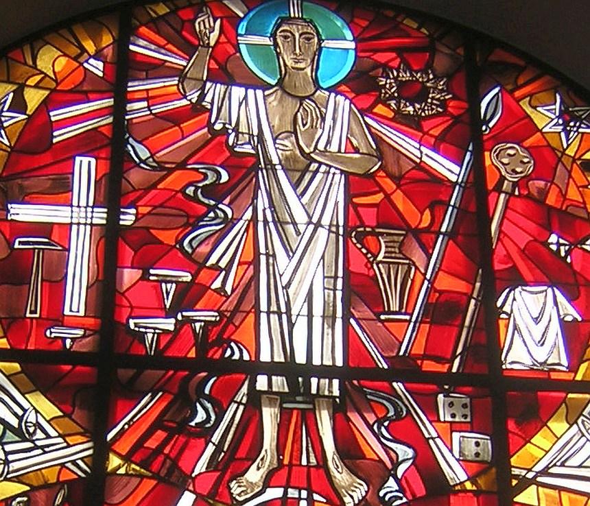 Oberer Kreis des Paulusfensters mit dem auferstandenen Christus