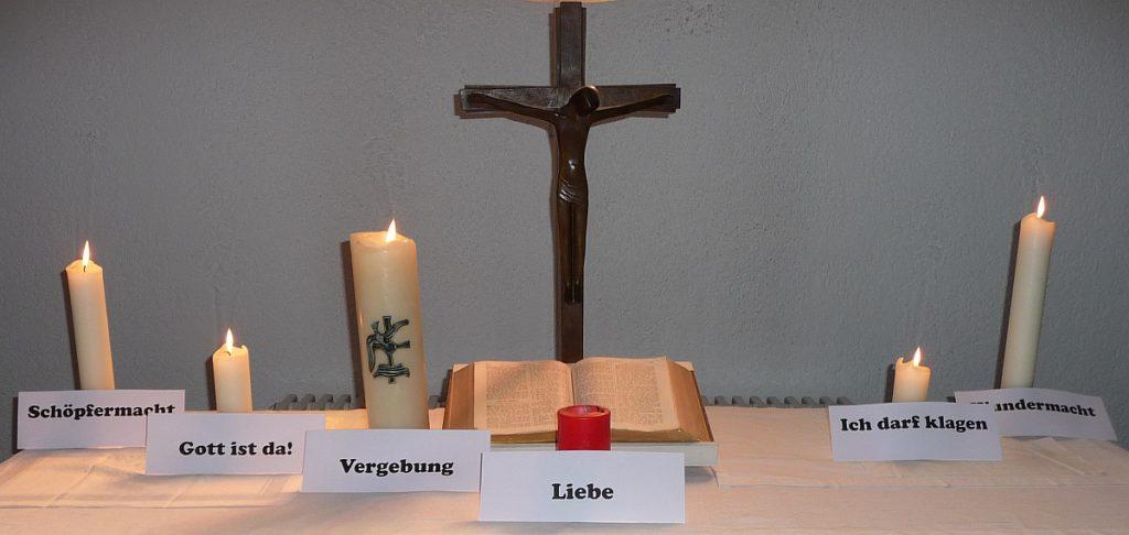 "6. Kerze neben dem Altarkreuz der Pauluskirche: ""Wundermacht"""