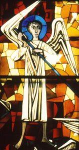 Der Erzengel Michael auf dem Emporenfenster