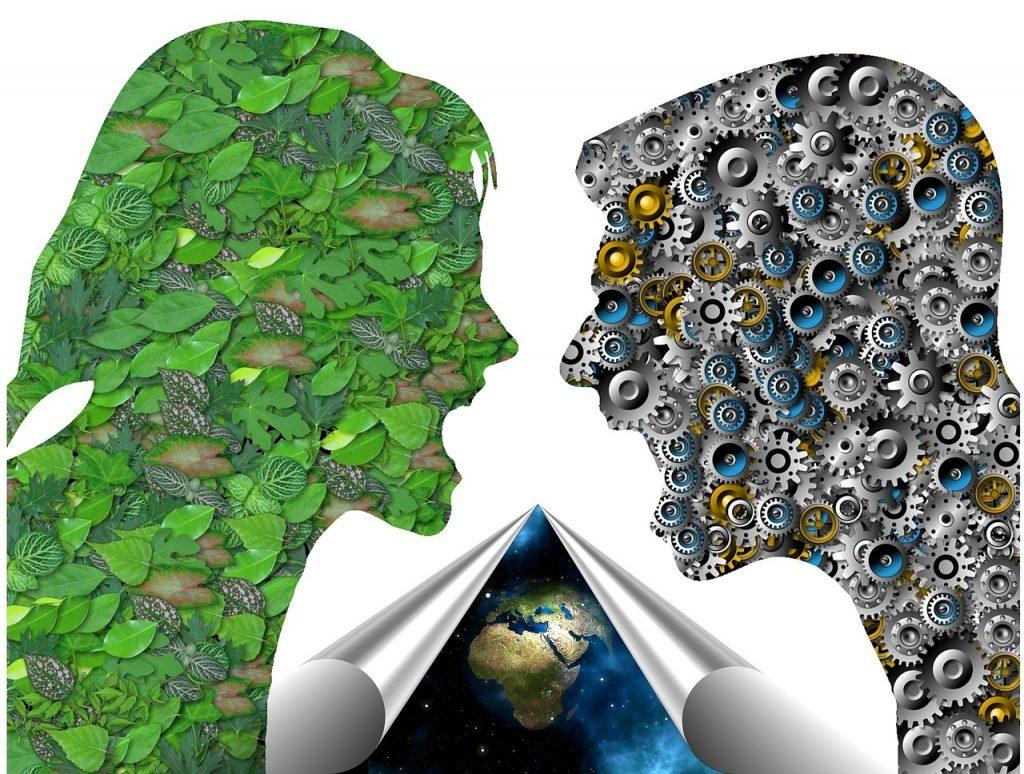 Stilisierter Streit zwischen Ökologie und Technik: Frauenkopf mit Blättern, Männerkopf mit Zahnrädern, im Hintergrund die Erde