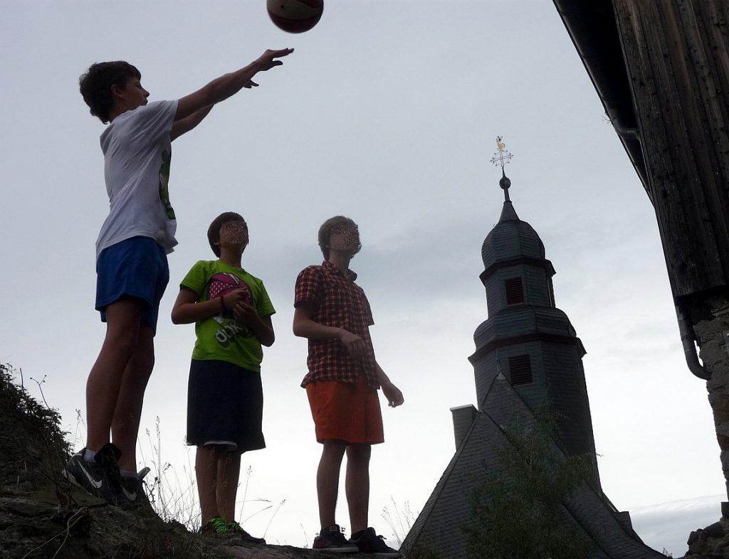 Konfirmanden auf der Freizeit 2012 in Hohensolms
