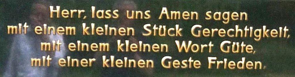 """Grabstein-Inschrift: """"Herr, lass uns Amen sagen..."""""""