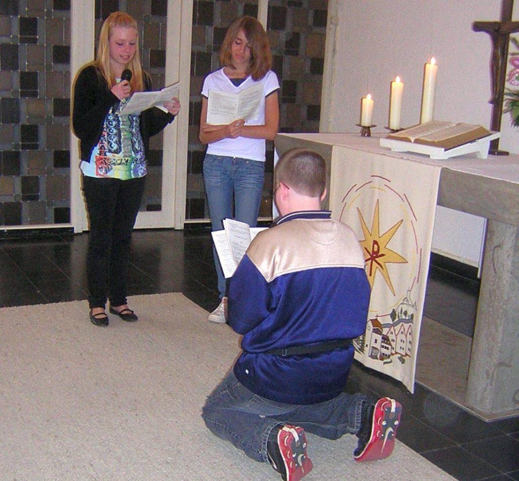 Joram, der Samariter, bedankt sich bei Jesus für seine Hilfe